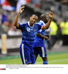 PARIS: Soccer-France defeats Serbia 2-1