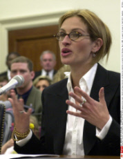 Actress Julia Roberts appears before the House Appropriations Labor, Health and Human Services and Education Committee on Capitol Hill Thursday, May 9, 2002, to appeal for money to fight Rett's Syndrome.    (AP Photo/Dennis Cook)/SIPA