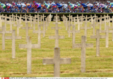 The pack rides past the WW1 Memorial of Verdun-Bevaux during the third stage of the Tour de France cycling race between Metz and Reims, eastern France, Tuesday July 9, 2002. (AP Photo/Laurent Rebours) /SIPA