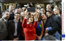 Salma Hayek takes a selfie in London