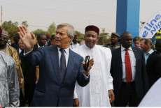 Niger, Vincent Bollore inaugure Bluezone