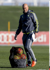 Spain Football: Zidane during his first day as Real Madrid coach