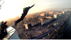 Base jump in the city