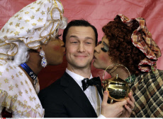 People Hasty Pudding Gordon Levitt