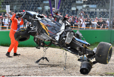 Terrible accident of Fernando Alonso in Melbourne