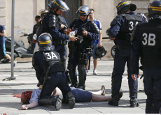 Marseille : clashes between English and Russian supporter
