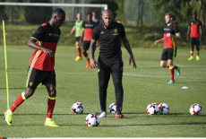 Group picture and open training of the Red Devils