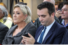 PARIS : Convention thematique Marine Le Pen
