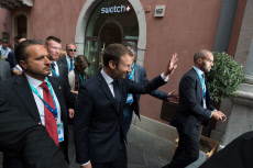 Taormina: Macron walking in the old city