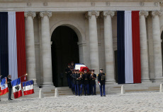 ceremony to pay tribute to Simone Veil in the courtyard of the Invalides in Paris