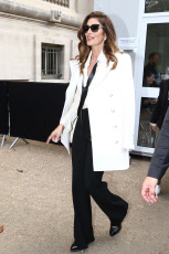 Celebrity Sightings : Paris Fashion Week Womenswear Spring/Summer 2018 - Cindy Crawford