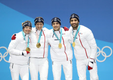(SP)OLY-SOUTH KOREA-PYEONGCHANG-BIATHLON-MIXED RELAY-MEDAL CEREMONY