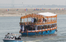 Varanasi: Macron and Modi on a boat on Ganges river