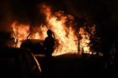 NANTES: violence after the death of a young man killed by a police officer.