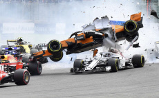 Crash  Alonso F1 GP Belgium