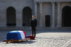 Hommage national a Charles Aznavour aux Invalides