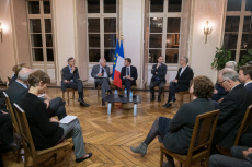 Peronne: Macron attends a meeting with historians