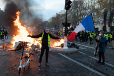 Paris: Barricades and gilets jaunes on the Champs-Elysees avenue