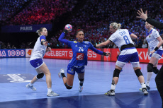 Paris: Handball Euro final France vs Russia