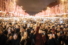 Paris : New Year - champs elysees - Fireworks and celebrations