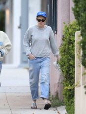 Kristen Stewart And Girlfriend Sara Dinkin Share Romantic Afternoon At Sweat Lodge In L.A.