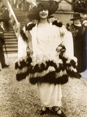 1923 Fashion - Remarkable feather and fur-trimmed outfit