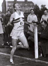 Roger Bannister - First sub-4 minute mile - Iffley Road