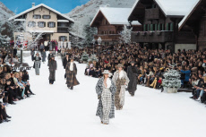 Chanel : Runway - Paris Fashion Week Womenswear