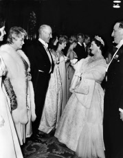 Alec Guinness & Queen Mother, Royal Performance