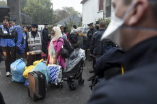 SAINT-HERBLAIN : Police operation in a migrant camp.