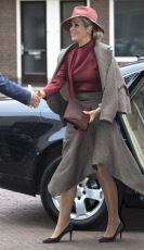 Amersfoort Queen Maxima arriving for the congress 'Together of meaning - You make the difference!' at the Flint theater in Amersfoort