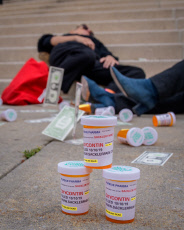 NY: Protest outside Purdue Pharma court hearing