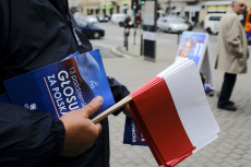 Poland warms up for national elections