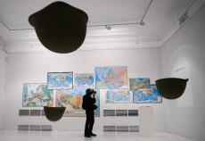 Russia: Exhibition by artist Yoko Ono opens at Moscow Museum of Modern Art