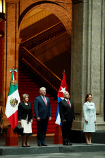 Presidents of Mexico and Cuba meet to boost cooperation
