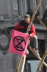Extinction Rebellion set up again in Oxford Circus, London