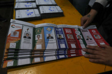 The polling stations begin to close in Bolivia after 8 hours of voting
