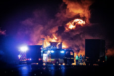 M6 Lorry Fire closure, Coventry, UK - 05 Nov 2019
