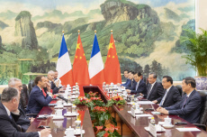 CHINA-BEIJING-LI KEQIANG-FRANCE-MACRON-MEETING (CN)
