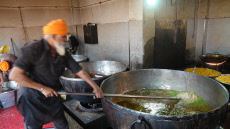 Golden Temple's free community kitchen