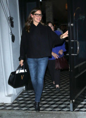 Jennifer Garner out abnd about, Los Angeles, USA - 11 Nov 2019