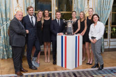 Paris:Macron greets the French women tennis team