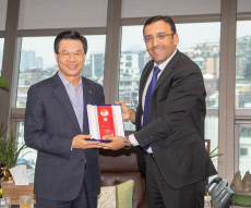 Yongsan municipality chief awarded by Azerbaijan