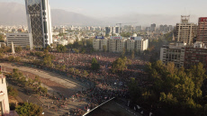 Strike in Chile takes clamor to the streets for guarantees of basic rights