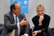 NY: Former French President Francois Hollande Visits Dream School In NYC