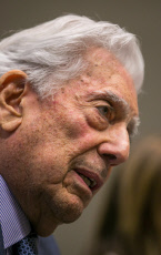 Vargas Llosa attends cicle 'Trajectories' at University of Zaragoza