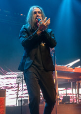 TX: Incubus preforms in Austin