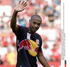 LONDON: Thierry Henry Returned to Arsenal in the Emirates Cup