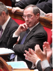 PARIS : Weekly session of questions to the government