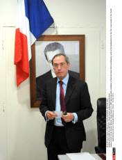 BOULOGNE-BILLANCOURT: Claude Gueant, parliamentary elections